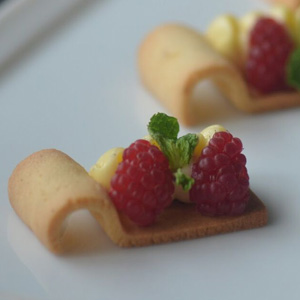 Raspberry Tart, Finger Way